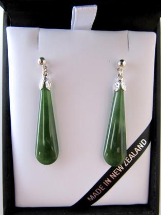 JE201S Mana NZ Drop-shaped greenstone earrings set in silver (3cm)